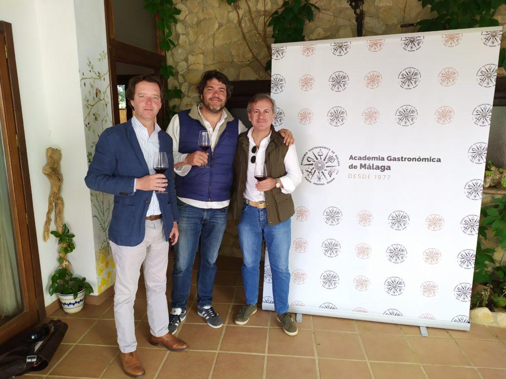 José María Martos (Pebar), José Simón (La Dehesa de Los Monteros) y Manuel Tornay (Presidente de la Academia Gastronómica de Málaga).